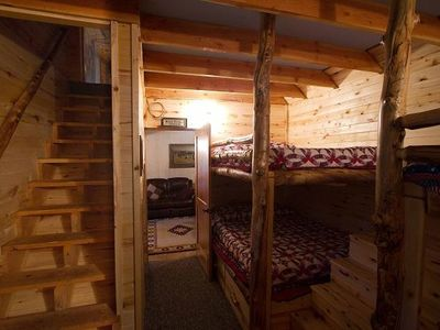 Unique cowboy bunkroom w/ 2 Queen bunks & 2 Full bunks- sleeps up to 6 adults