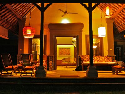 The terrace of the lounge by night