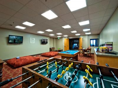 Miner's club game room