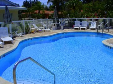 Huge Heated Pool (80-85 F degrees, year-round)