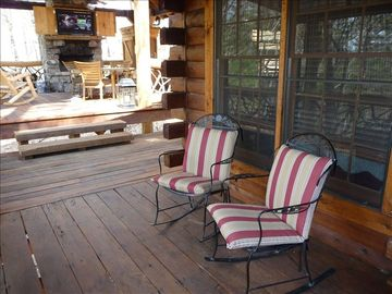Side porch: Enjoy the mountain view and sounds from the creek down the mountain.