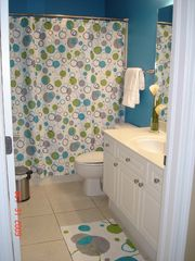 Fort Walton Beach condo photo - Guest Bathroom w/ full size shower