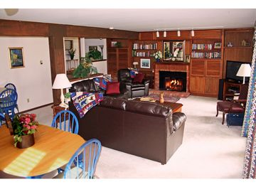 "Living Room opens to deck & huge front yard. ""Red Cliff"" views, sofa bed, HDTV."