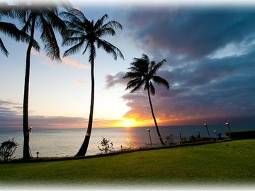 Lahaina condo rental - Breathtaking Maui sunsets are commonly viewed from this west-facing condo.