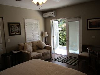 Vero Beach studio photo - Studio Apartment with queen bed,