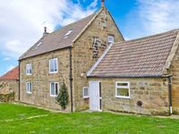 TIDKINHOW FARM, pet friendly, with a garden in Guisborough, Ref 30014