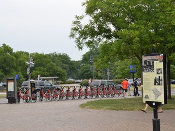 Bikeshare bicycle rentals @ Eastern Market Metro plaza 1/2 block away