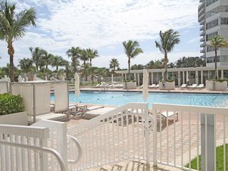 Bal Harbour condo photo - Pool