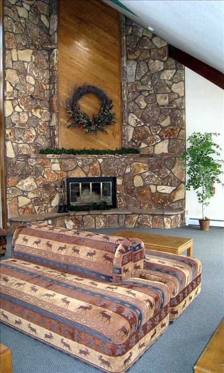 Lobby entryway with fireplace