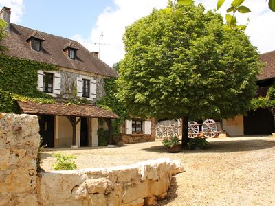 200-yr-old Farmhouse (sleeps 12) and Barn (sleeps 8) each with own private pool - La Châtaigne
