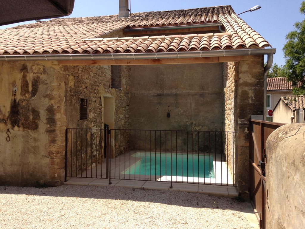 Holiday house, 110 square meters , Suze-la-rousse, France