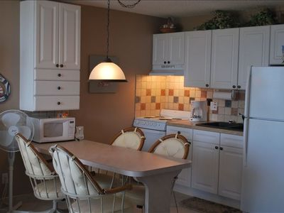 Clean, NEWLY Updated (6/09) well equipped Kitchen with All Conveniences