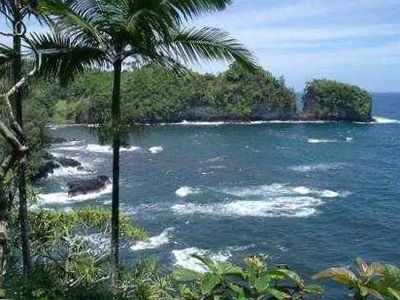 Don't miss the scenic 4 Mile Drive Just north of Hilo - Onomea Bay.