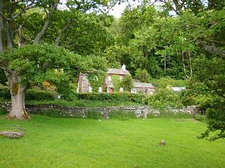 Character Cottage: Panoramic Views: Enclosed Garden: Pet Friendly