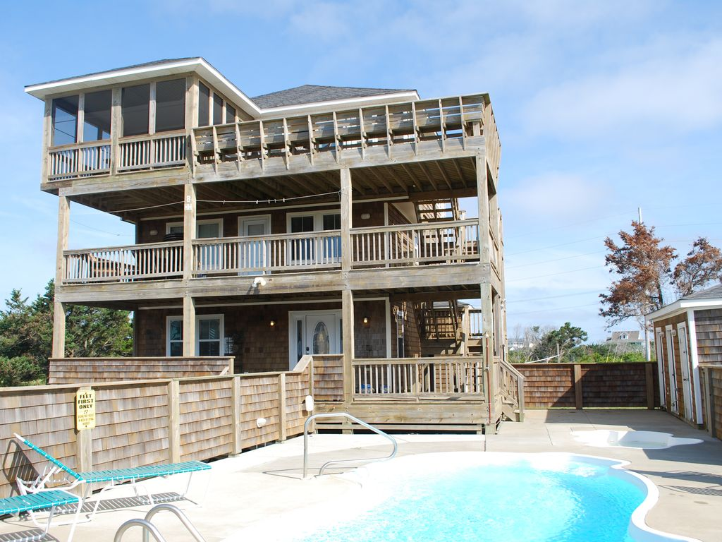 Ivey coast beach house in hatteras village vrbo for Hatteras cabins rentals