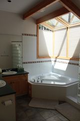 Pender Island house photo - upstairs master bathroom