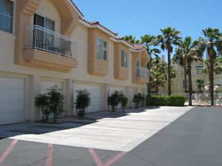 Las Vegas condo photo - 2nd Floor Unit, Single Car Garage, Close to Pool