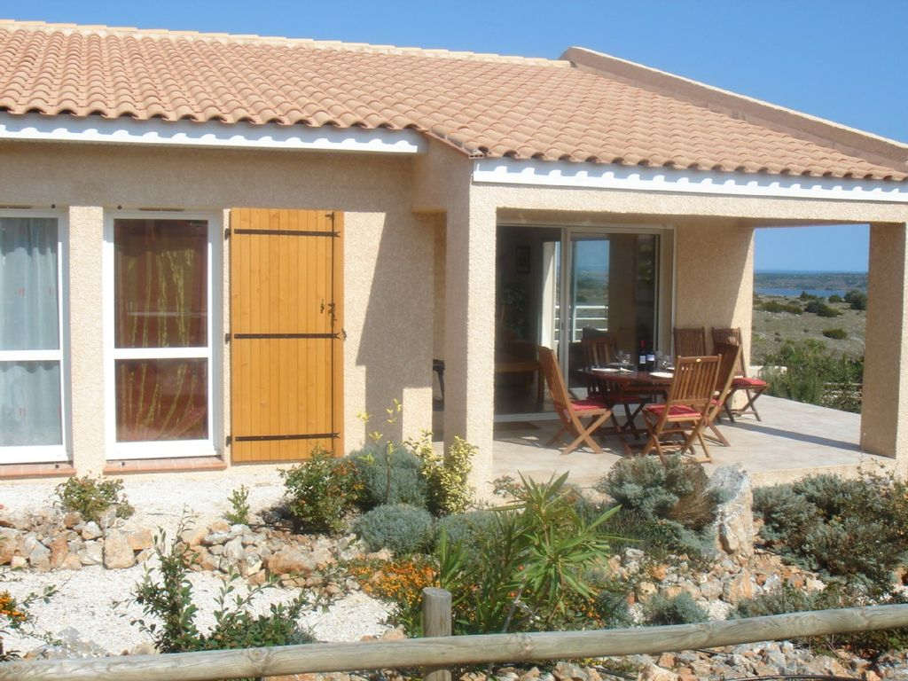Accommodation near the beach, 122 square meters, with pool