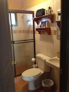 Playa del Coco condo rental - Bathroom