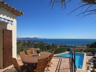 Luxury villa, panoramic sea views, beach 400 m, heated pool, air conditioning, 200 sqm