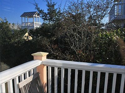 La Petit Balcony - Cottage Rental Agency Seaside, Florida