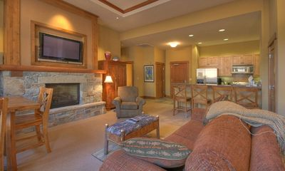 Truckee condo rental - Dining - Living Room - Kitchen