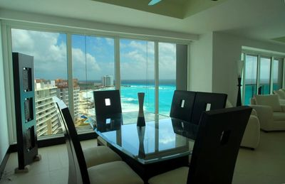 Breakfast with Oversized Glass Windows Presenting the Caribbean Seas Beauty