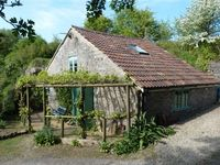 Unique secluded yet close to Bath detached sleeps 2 - 4