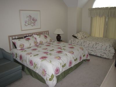 Brewster condo rental - Second bedroom includes a queen and a full bed with high, vaulted ceiling.