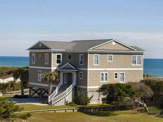 Pine Knoll Shores house photo