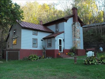 Shenandoah house rental - Post-Cival War Built River House w/ 50' High Historic Southern Railroad on Right