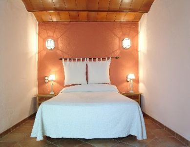 Huetor Tajar: Accommodation in Andalucía, 2/4 persons. House with swimming pool and garden...