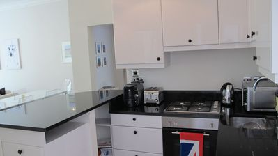 Richmond & Kew apartment rental - Beautiful Kitchen, granite counter tops, brand new appliances and great coffee!!