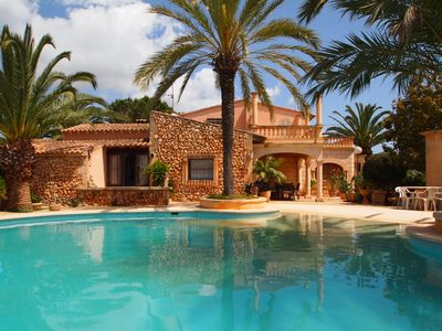 Finca with pool and garden in the countryside.