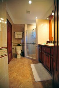 Large Guest Bath with Plush Linens and Bath Robe - Hair Dryer Provided!