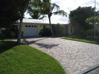 Mimosa Sunrise - a Tropical 2 Bedroom/2 Bath House with Pool