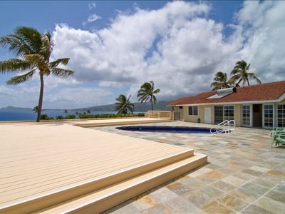 Gorgeous home, newly renovated 3500 sq ft private deck overlooking the ocean