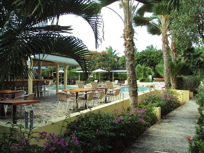The swimming pool and poolside bar and restaurant are only a short stroll away.