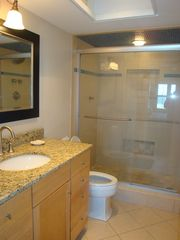Wrightsville Beach condo photo - Master Bathroom