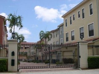 West Palm Beach townhome photo - Private gate entry