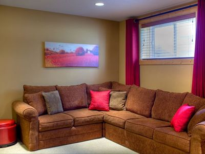 Family/Entertainment room, Plasma TV, gas fireplace, games & queen sofabed