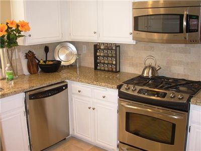 Newly Renovated Kitchen with Granite Counters and Stainless Appliances!!
