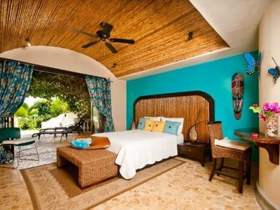 Playa Flamingo house rental - Guest bedroom suite with bathroom and patio entry to pool