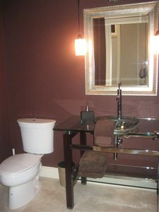 Niagara Falls house rental - Half Bathroom