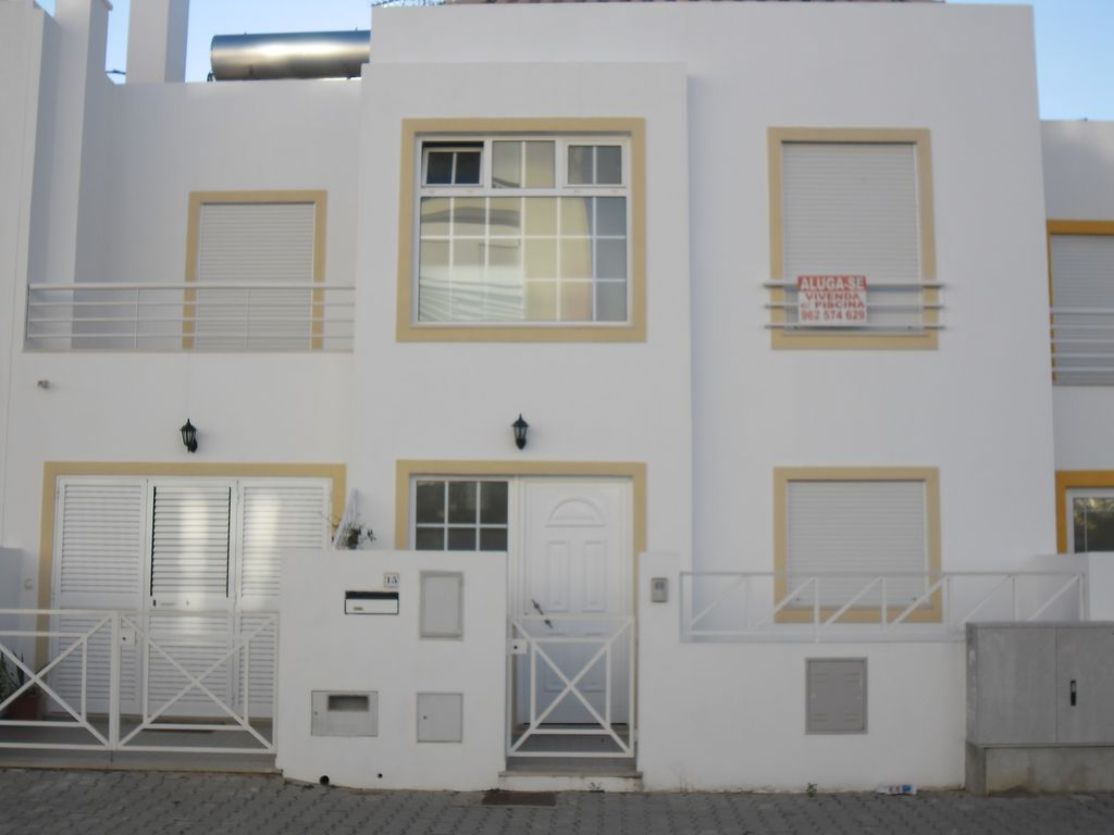 Air-conditioned accommodation, close to the sea , Buraca