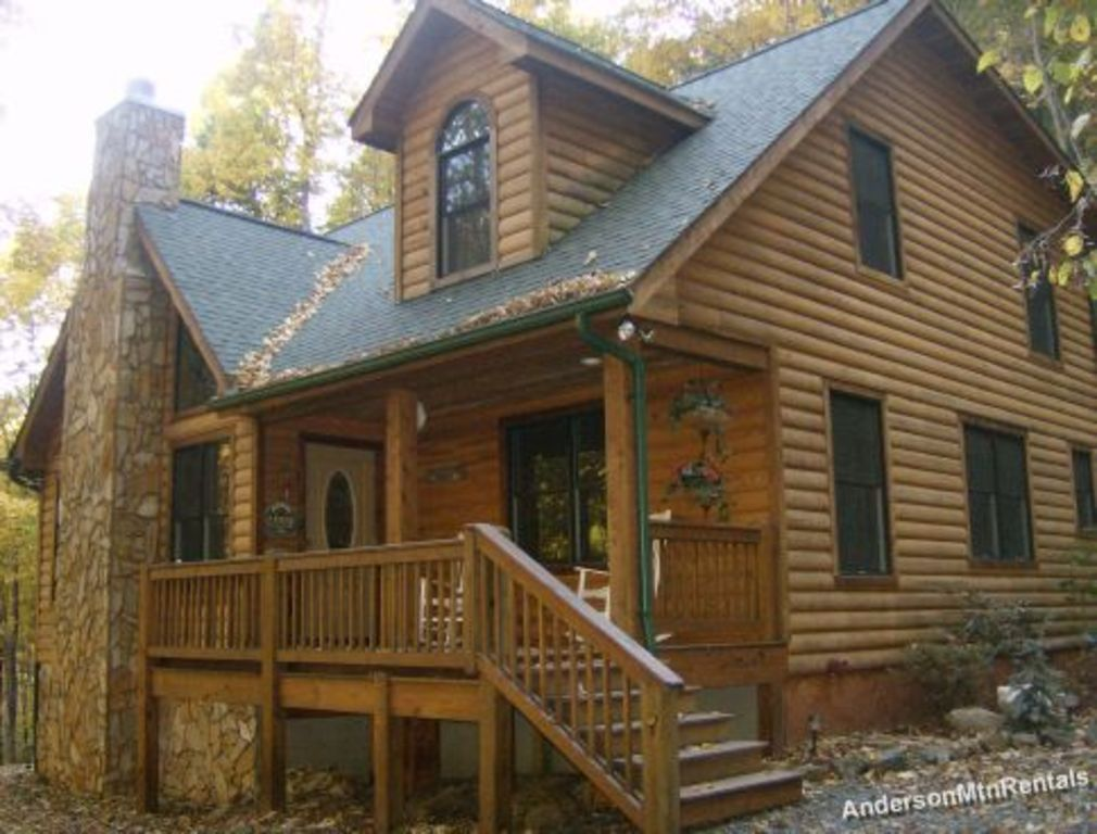 Trout stream pool table privately located vrbo for Table rock nc cabins