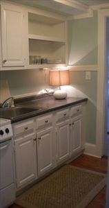 Wrightsville Beach cottage rental - Down stairs, pied a terre kitchen area.