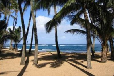 Kuau condo rental - This is beach in front of our condo about 2 min walk from back door