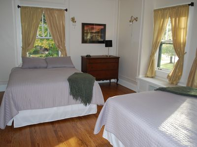 many of the oversized bedrooms feature 2 queen beds to accomodate large groups