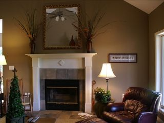 Lake Ouachita condo photo - Great room with wood burning fireplace